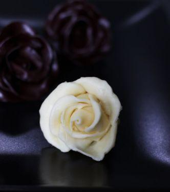 Bijela plastična čokolada (za modeliranje)
